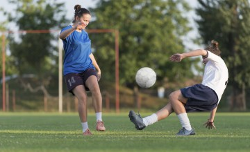 Frauen spielen Fussball